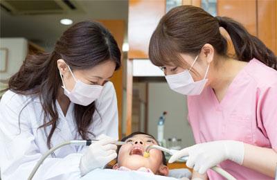 歯科衛生士と歯科医師